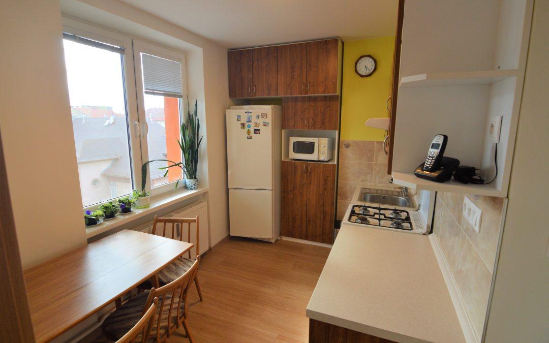 2-izbový nezariadený byt s balkónom na prenájom, Poprad